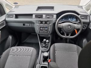 Volkswagen Caddy 2.0TDI crew bus - Image 9