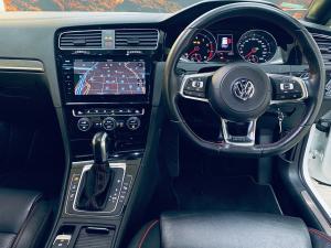 Volkswagen Golf GTI - Image 10