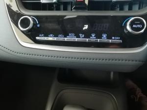 Toyota Corolla 1.8 XS - Image 13