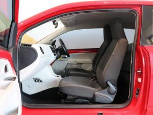 Volkswagen up! move up! 3-door 1.0 - Image 4