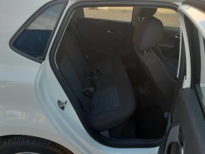 Volkswagen Polo Vivo hatch 1.6 Comfortline auto - Image 7