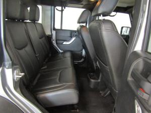 Jeep Wrangler Unltd Rubicon 3.6L V6 automatic - Image 10