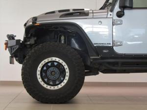 Jeep Wrangler Unltd Rubicon 3.6L V6 automatic - Image 7
