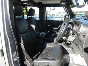 Jeep Wrangler Unltd Rubicon 3.6L V6 automatic - Image 8