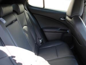 Lexus UX 250h SE - Image 6