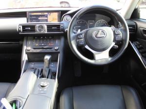 Lexus IS 200t EX - Image 4