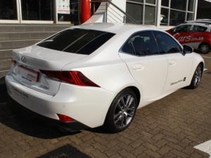 Lexus IS 200t EX - Image 6