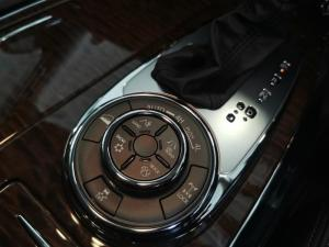 Nissan Patrol 5.6 V8 LE Premium - Image 10