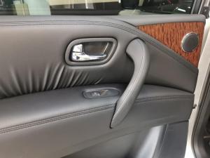Nissan Patrol 5.6 V8 LE Premium - Image 13