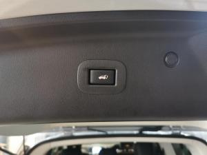 Nissan Patrol 5.6 V8 LE Premium - Image 17
