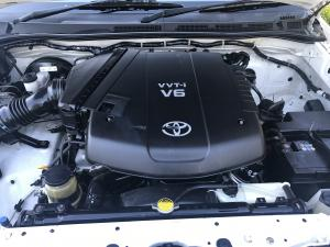 Toyota Fortuner V6 4.0 4x4 auto - Image 10