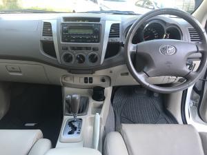 Toyota Fortuner V6 4.0 4x4 auto - Image 7