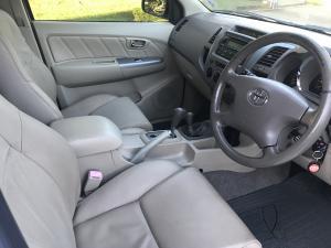 Toyota Fortuner V6 4.0 4x4 auto - Image 8