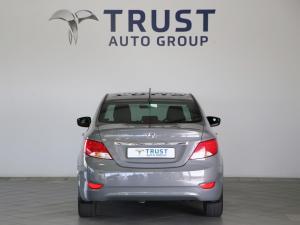 Hyundai Accent 1.6 GLS/FLUID - Image 9