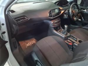 Peugeot 308 1.2T Active - Image 10