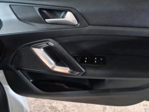 Peugeot 308 1.2T Active - Image 13