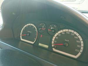 Chevrolet Aveo 1.6 L hatch - Image 11