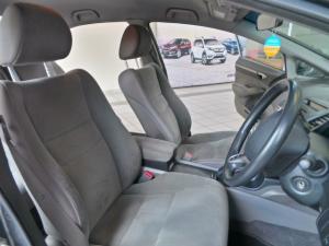 Honda Civic sedan 1.8 EXi automatic - Image 6