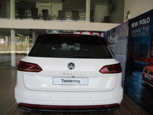 Volkswagen Touareg 3.0 TDI V6 Executive - Image 8