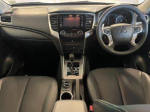 Mitsubishi Triton 2.4DI-D double cab 4x4 auto - Image 10