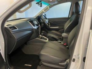 Mitsubishi Triton 2.4DI-D double cab 4x4 auto - Image 9