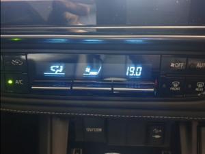 Toyota Corolla Quest 1.8 Exclusive auto - Image 6