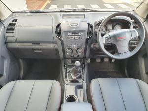 Isuzu D-Max 250 double cab X-Rider - Image 9