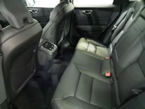 Volvo XC60 D4 AWD Momentum - Image 6