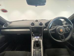Porsche 718 Cayman GT4 - Image 7