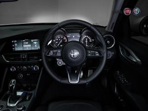 Alfa Romeo Giulia 2.0T Veloce - Image 10
