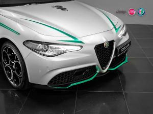 Alfa Romeo Giulia 2.0T Veloce - Image 2