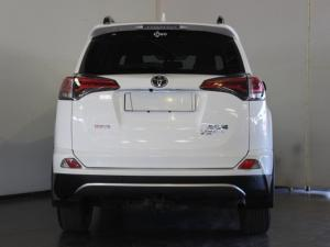 Toyota RAV4 2.2D-4D AWD VX - Image 4