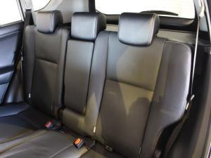 Toyota RAV4 2.2D-4D AWD VX - Image 7