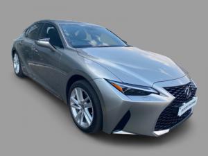 Lexus IS 300h EX - Image 1