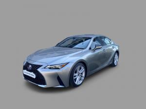 Lexus IS 300h EX - Image 2