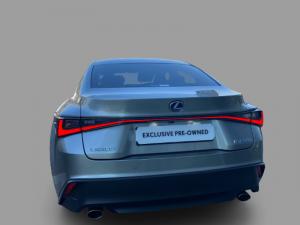 Lexus IS 300h EX - Image 5