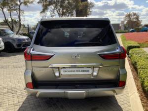 Lexus LX 450d - Image 3