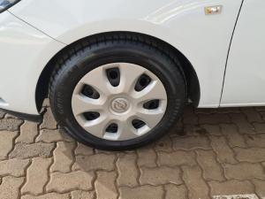 Opel Corsa 1.0T Essentia - Image 10