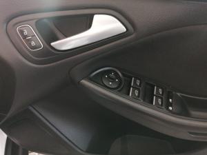Ford Focus sedan 1.5T Trend - Image 14