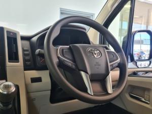 Toyota Quantum 2.8 LWB bus 11-seater GL - Image 8