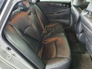 Hyundai Sonata 2.4 Elite - Image 13