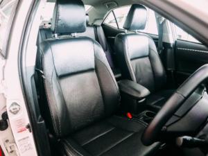 Toyota Corolla 1.6 Prestige auto - Image 16