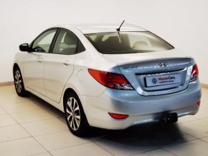 Hyundai Accent 1.6 GLS/FLUID automatic - Image 8