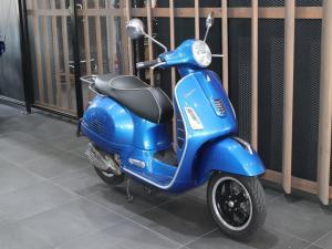 Vespa GTS 300 - Image 2