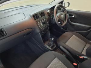 Volkswagen Polo sedan 1.4 Trendline - Image 10