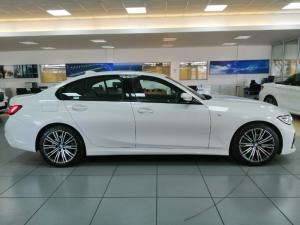 BMW 3 Series 320i M Sport - Image 2