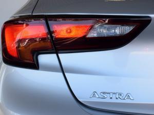 Opel Astra hatch 1.6T Sport - Image 8