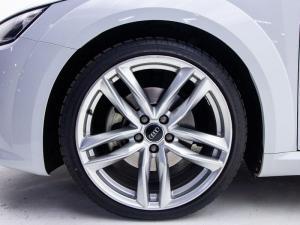 Audi TT 2.0T FSI Coupe Stronic - Image 6