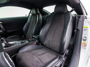 Audi TT 2.0T FSI Coupe Stronic - Image 9