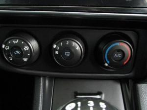Toyota Corolla Quest 1.8 CVT - Image 16